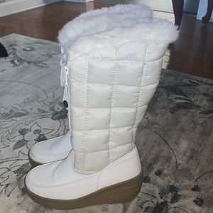 CANYON RIVER BLUES white lined snow boots 6.5